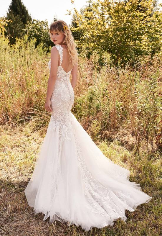 Mermaid, fitted, lace, sheer, curvy, wedding dress in Westminster Maryland at Love it at Stella's Bridal and Fashions